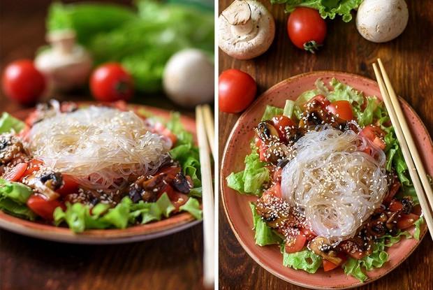 Фунчоза с грибами и помидорами черри