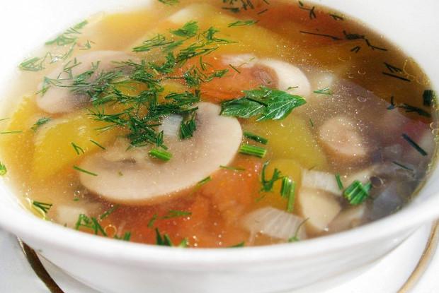 Быстрый суп из свежих шампиньонов, картофеля и моркови