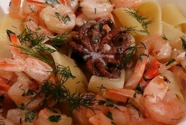 Паста с креветками и осьминожками
