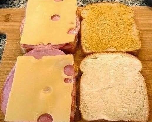 Сэндвич с ветчиной и сыром «Монте-Кристо»