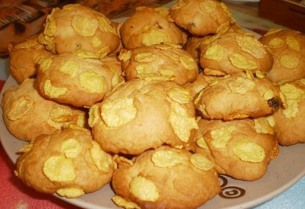 Печенье из кукурузной муки с изюмом «Пустынные розочки»