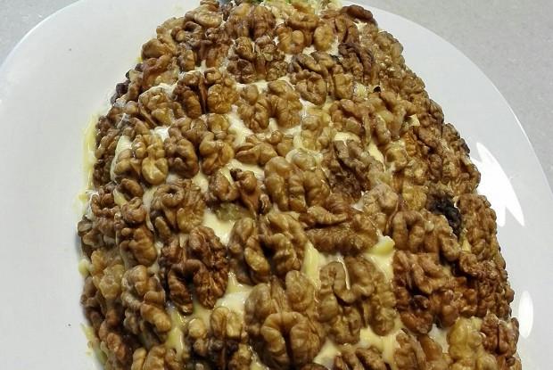 Слоеный салат «Ананас»