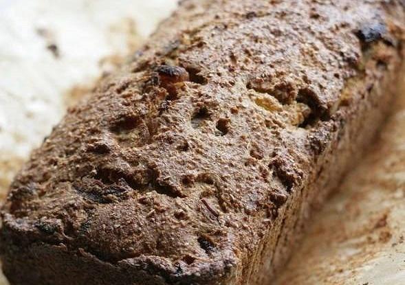 Ржаной хлеб с курагой