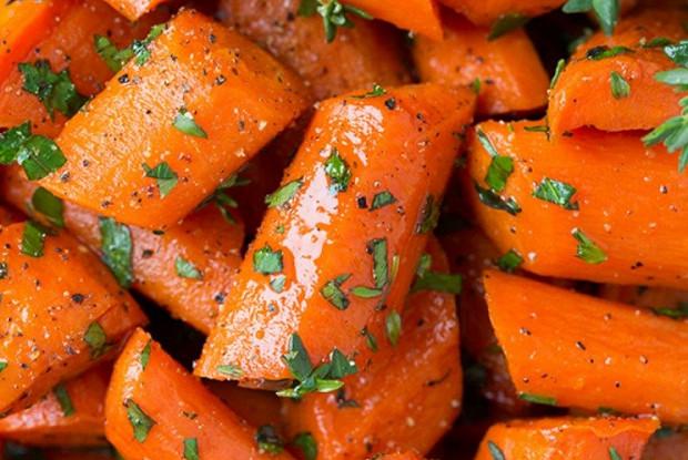 Запеченная медовая морковь