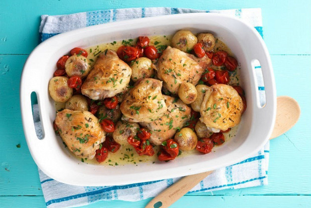Курица, запеченная с помидорами черри в кленовом сиропе
