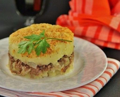 Картофельная запеканка с мясом и твердым сыром