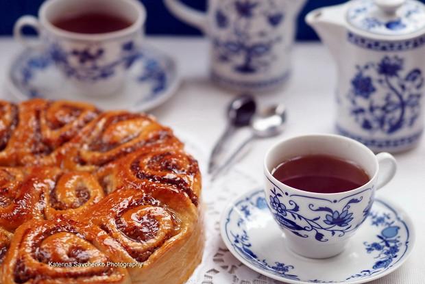 Пирог из дрожжевого теста  с орехово-марципановой начинкой
