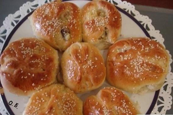 Греческие булочки с картошкой и грибами
