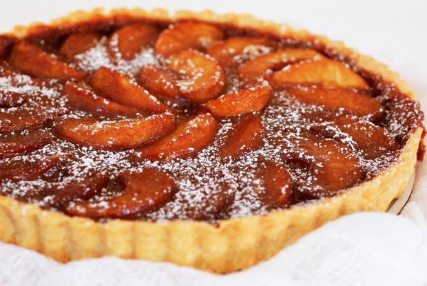 Тарт с яблоками в сливочной карамели