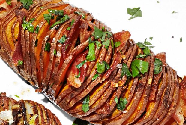 Картофель хассельбек с беконом