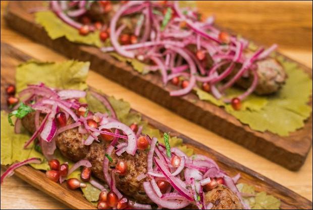 Люля-кебаб из баранины с луком