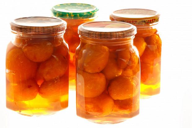 Варенье из абрикосов с косточками внутри