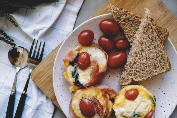 Завтрак с ветчиной и сыром