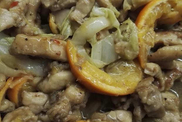 Свинина с мандаринами и соусом чили