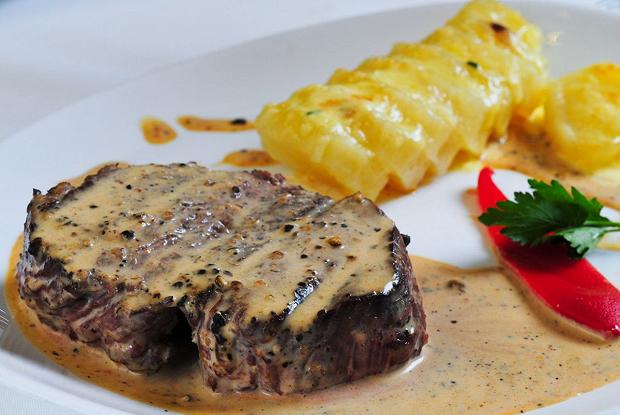 Ломо а-ла пимьента (мясо по-аргентински)