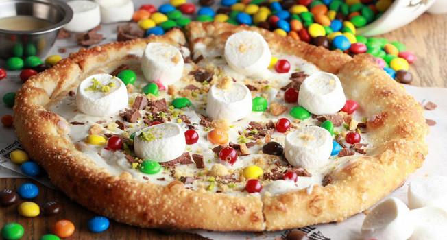 Пицца с нутеллой и M&M's