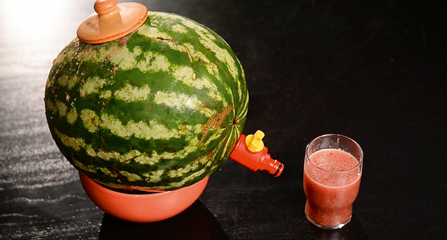 Как сделать алкосмузи в арбузе