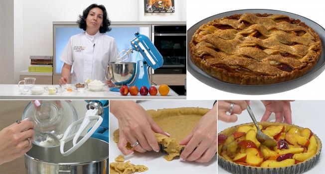 Пирог с нектаринами и миндалем